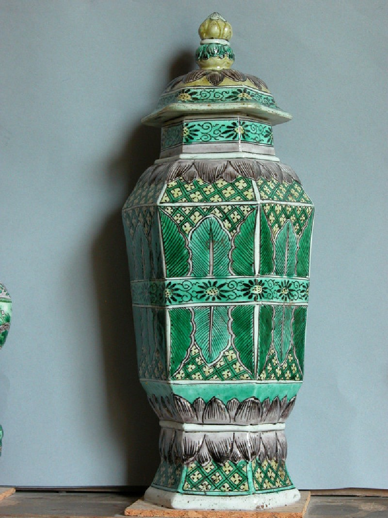 Hexagonal vase qwith cover (EAX.3609, Title: <<Acc. No. as Title>>, record shot)