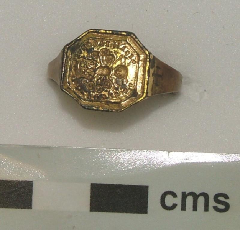 Signet ring (WA1897.CDEF.F500, record shot)