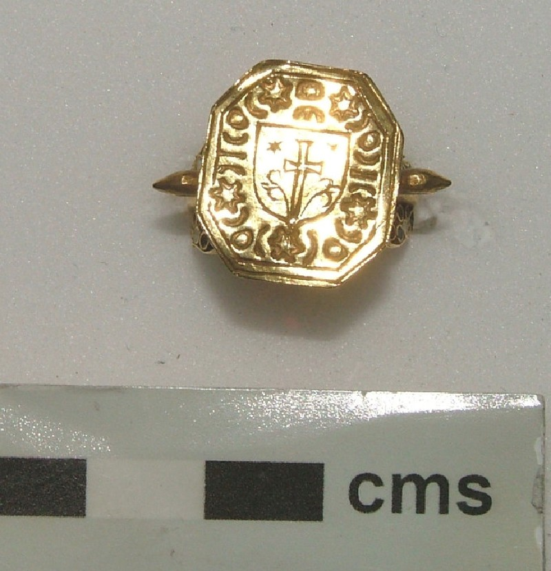 Signet ring (WA1897.CDEF.F555, record shot)