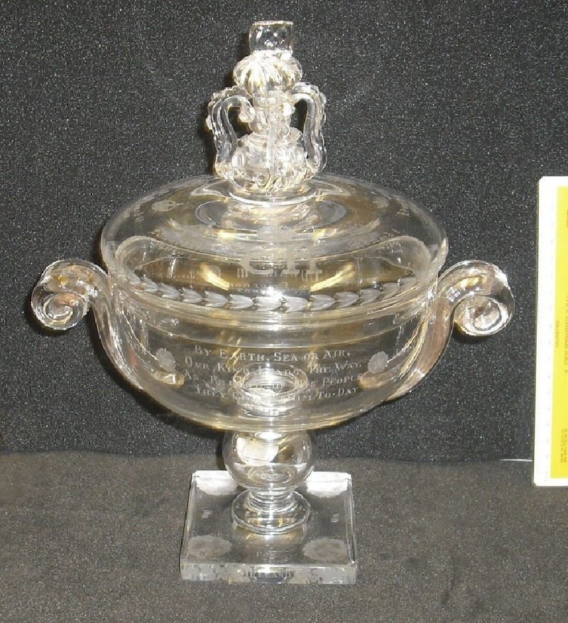 Crown vase and cover