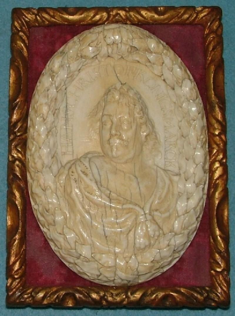 Medallion bust portrait of Hans Christoffer von Königsmarck, Graf Westerwijck, in the guise of Hercules (WA1960.41, record shot)