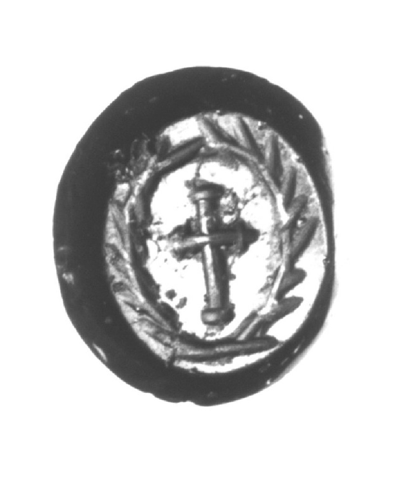 Intaglio gem, cross inside wreath