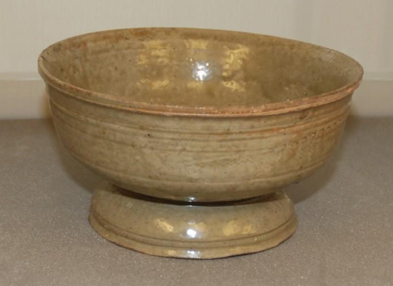 Footed bowl (EA1956.251, record shot)