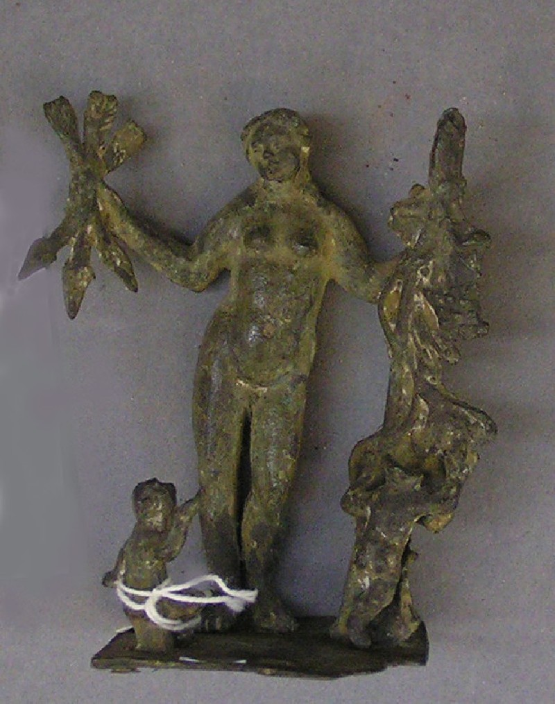 Bronze figurine of Venus and two Cupids