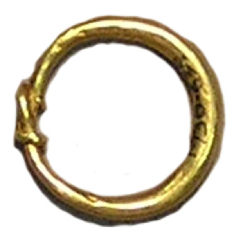 Finger-ring, ends twisted together