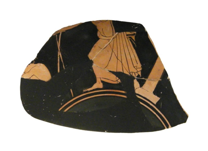 Attic red-figure pottery stemmed cup fragment depicting an athletics scene (AN1966.472, a            , record shot)