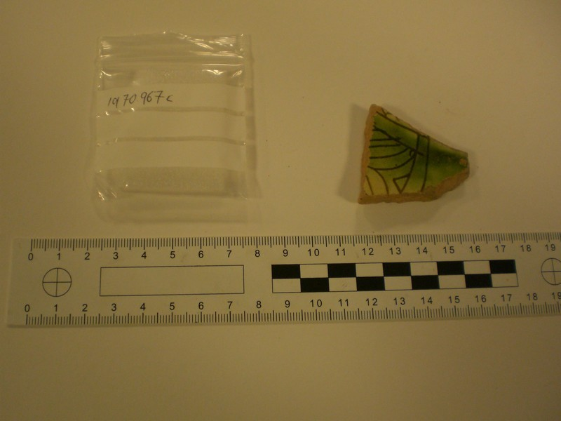 Fragment of glazed Medieval sgraffito wear (AN1970.967.c, record shot)