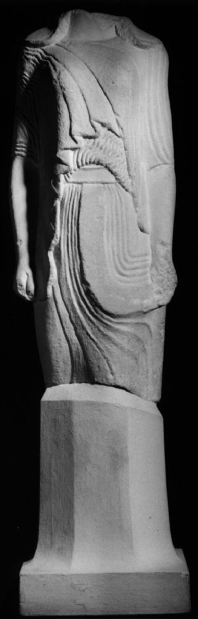 Cast of a kore from Samos (CG.B.48, record shot)