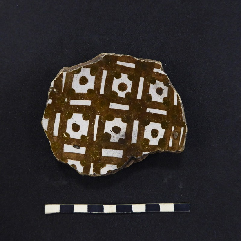 Foot fragment of a vessel with cross pattern