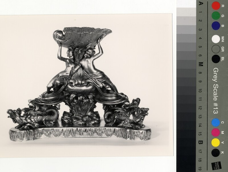 Table centrepiece in the form of a fountain