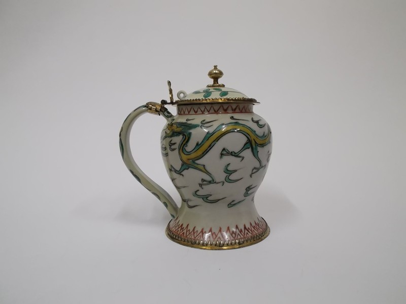Tankard decorated with two dragon